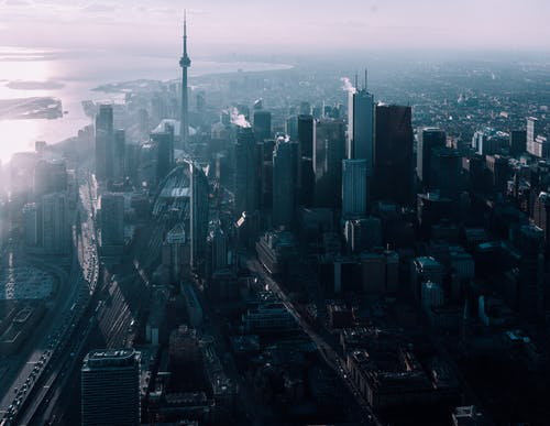加拿大移民部大规模扩编联邦移民官,为审理提速
